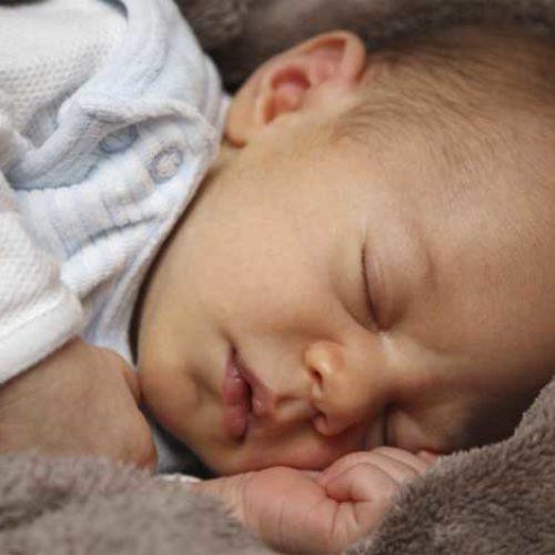 Hvordan få baby til å sove – prøv hvit lyd!